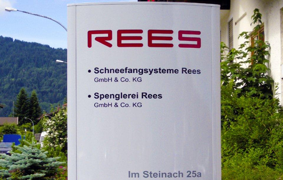 Werbeanlage Pylon dekupiert Augsburg
